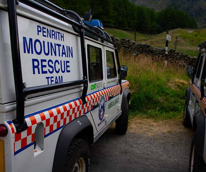 Penrith Mountain Rescue climbing.